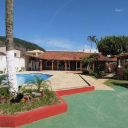 Casa com piscina em São Vicente